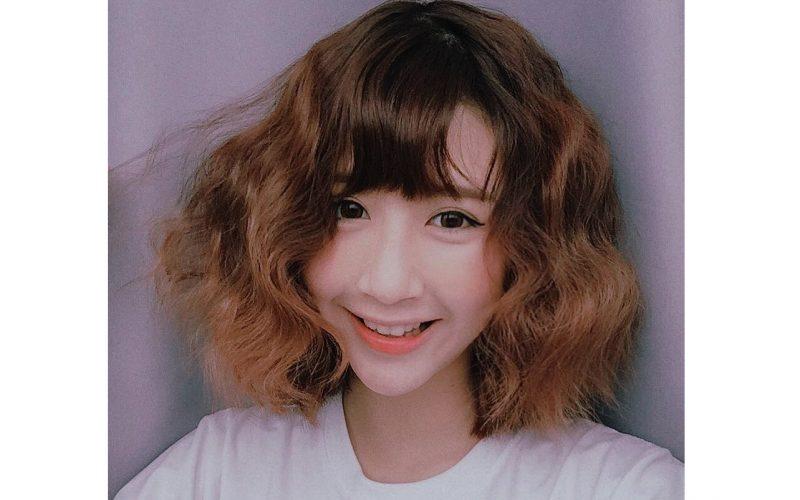 Kiểu tóc uốn ngắn xoăn phồng
