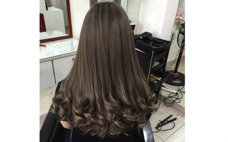 Kiểu tóc uốn đuôi lọn nhỏ