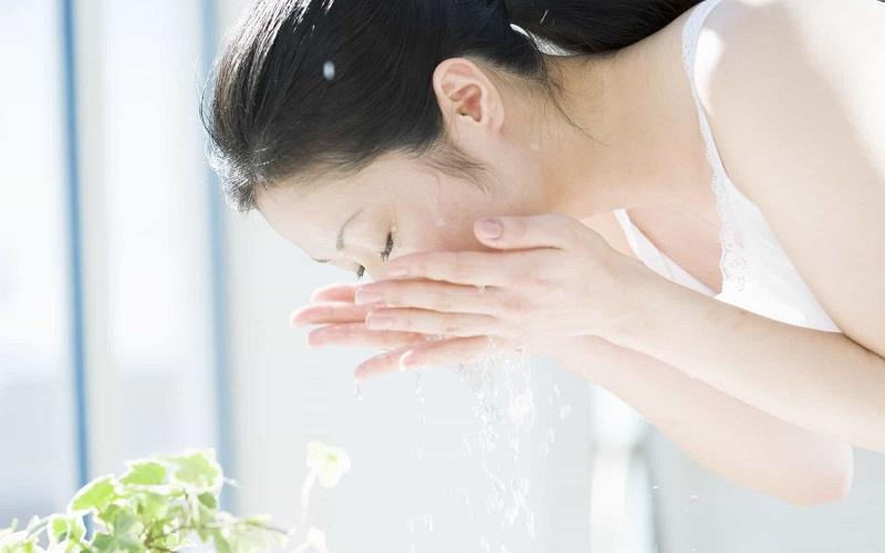 Dưỡng da bằng nước vo gạo mỗi ngày cho bạn làn da mềm mịn, trắng sáng