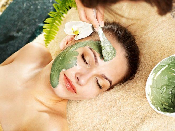Làn da được chăm sóc bằng các thành phần thiên nhiên an toàn và dịu nhẹ