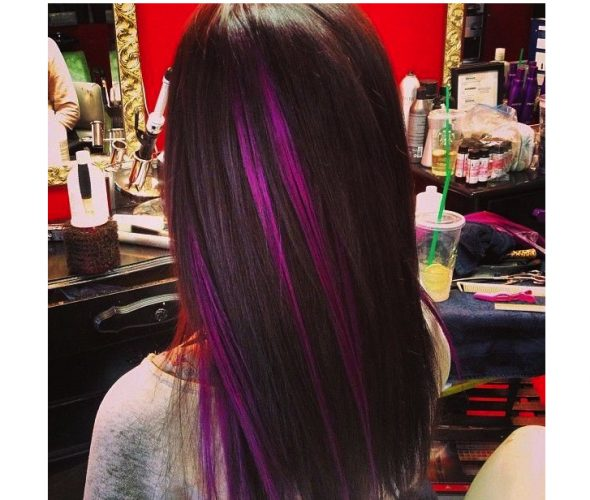 Tóc nhuộm highlight màu tím