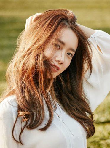 Màu nâu là màu tóc sáng da nữ được ưa chuộng nhất hiện nay