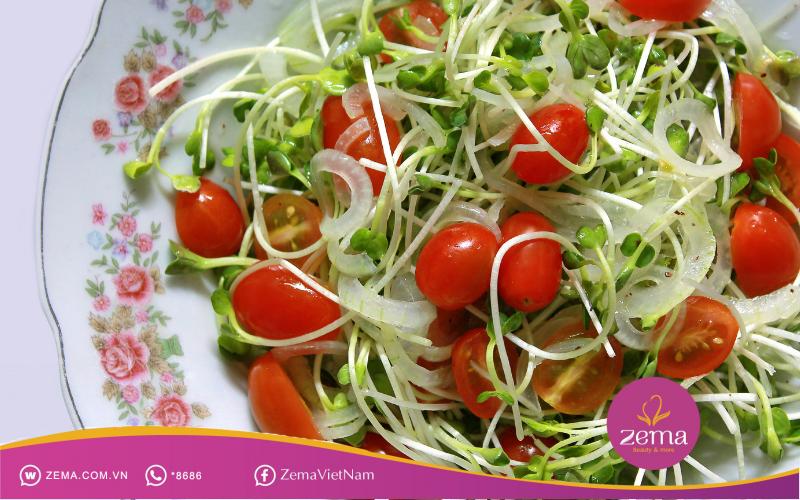 Salad rau mầm với cà chua bi giúp giảm cân hiệu quả