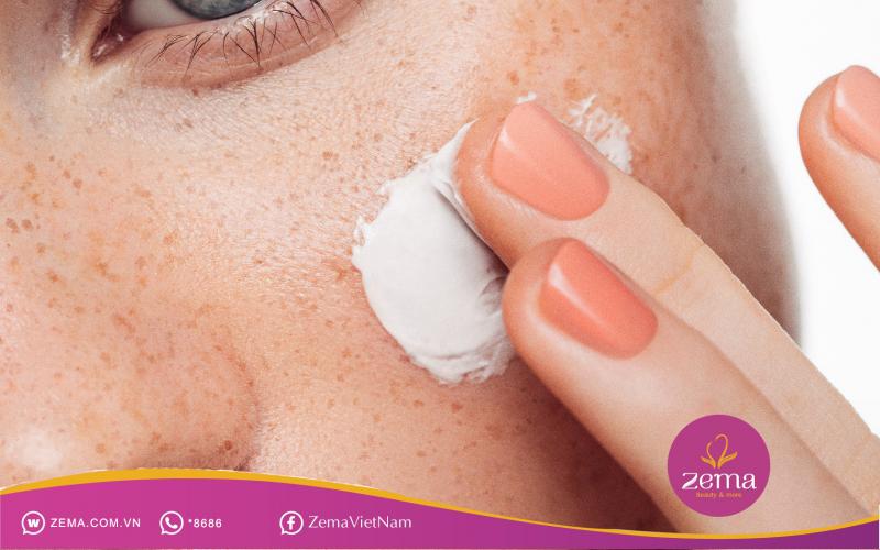 Không sử dụng các loại mỹ phẩm dễ gây bào mòn da