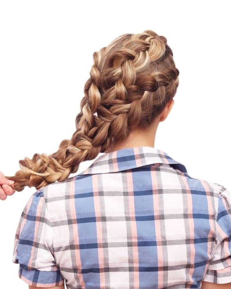Kiểu tết tóc ngược