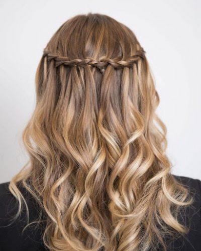Kiểu tóc tết thác nước