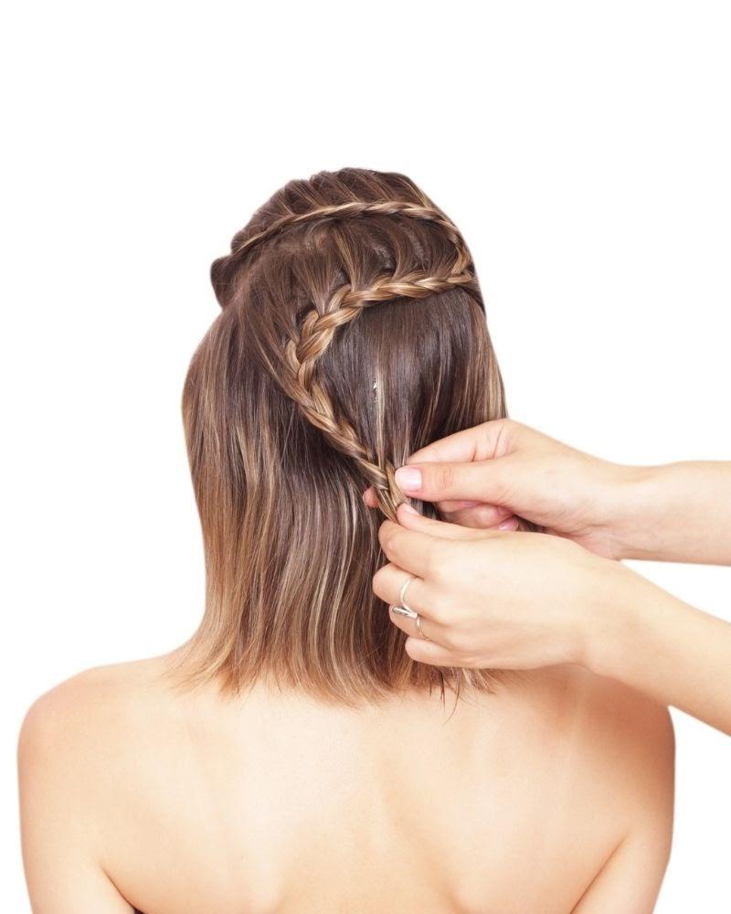 Một biến thể của kiểu tết tóc nửa đầu