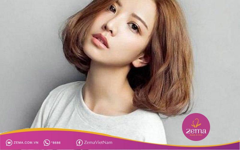 Kiểu tóc uốn cụp đuôi này giúp bạn trẻ trung hơn