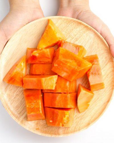 Đu đủ chín chứa nhiều vitamin giúp trị nám