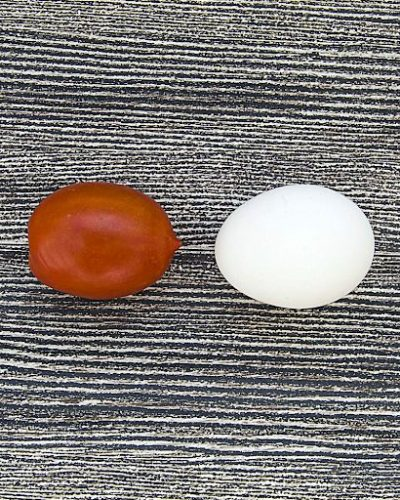 Cà chua và trứng gà ngăn chặn việc hình thành nám