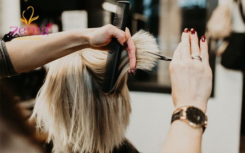 Thường xuyên cắt tóc để loại bỏ những phần hư tổn, chẻ ngọn