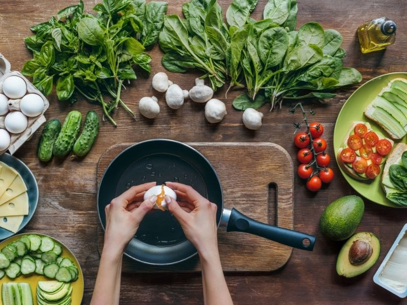 Tự nấu ăn sẽ kiểm soát được khẩu phần ăn của mình