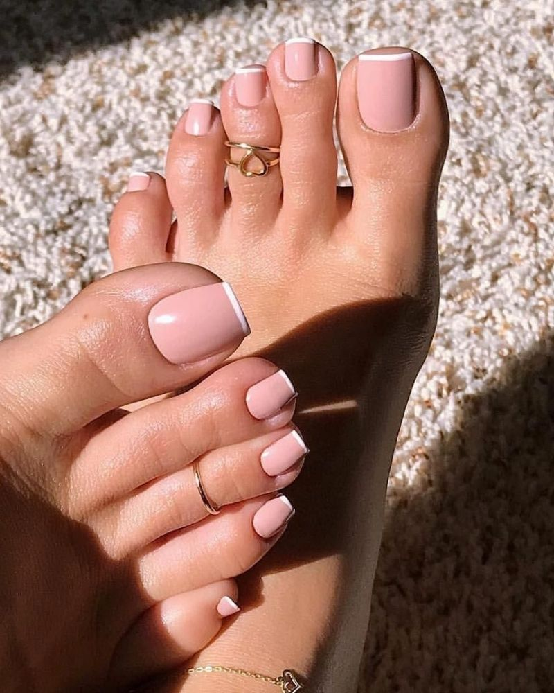Sơn móng chân màu pastel cực kỳ thời thượng và tôn da