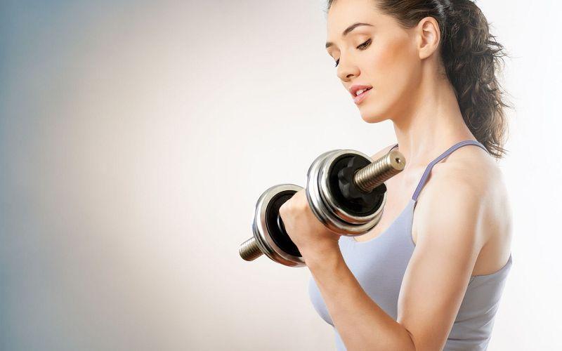 Tập tạ giảm cân khá hiệu quả cho bà bầu