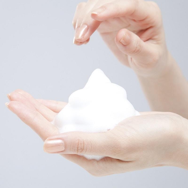 Chọn các loại sữa rửa mặt trị mụn nên cân nhắc đến nhiều yếu tố khác nhau