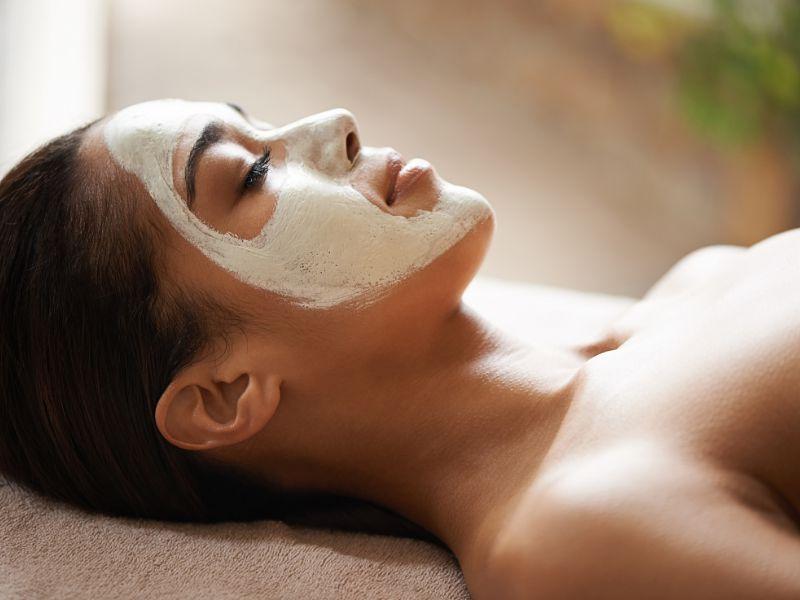 Đắp mặt nạ từ các nguyên liệu thiên nhiên để chăm sóc da hiệu quả