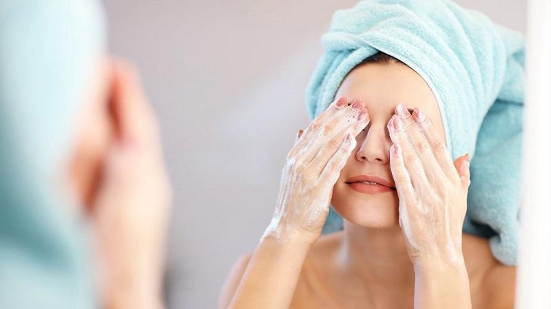 Rửa mặt đúng cách mang đến cho bạn nhiều lợi ích
