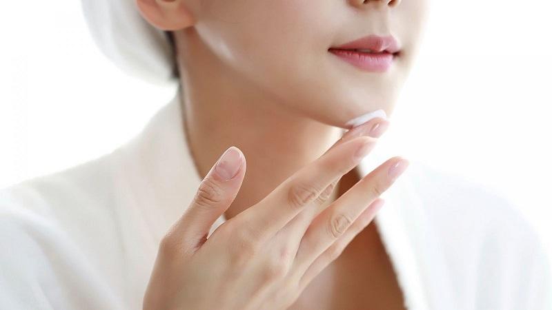 Sử dụng kem dưỡng da sau khi điện di