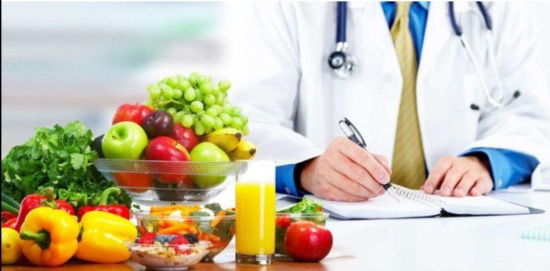 Hình 7: Chế độ ăn uống lành mạnh cho da mụn