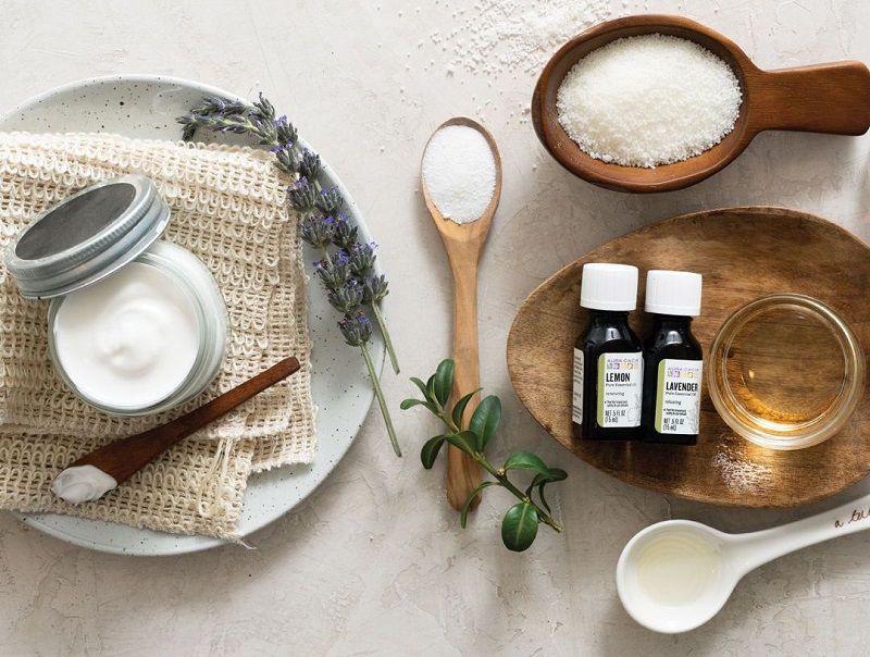 Công thức làm kem body trắng da tại nhà bằng tinh dầu tràm trà