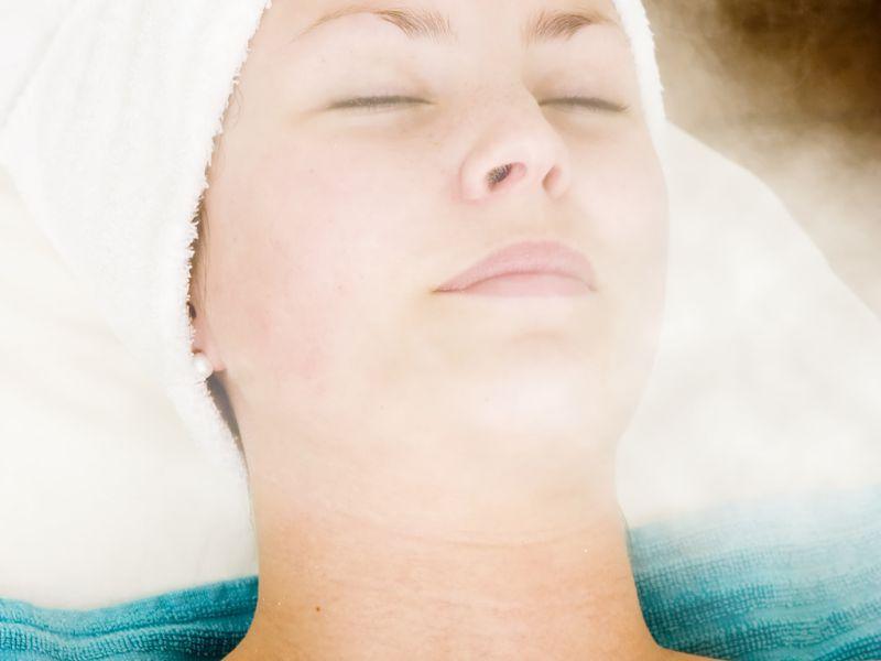 Xông mặt giúp làm sạch da một cách hiệu quả