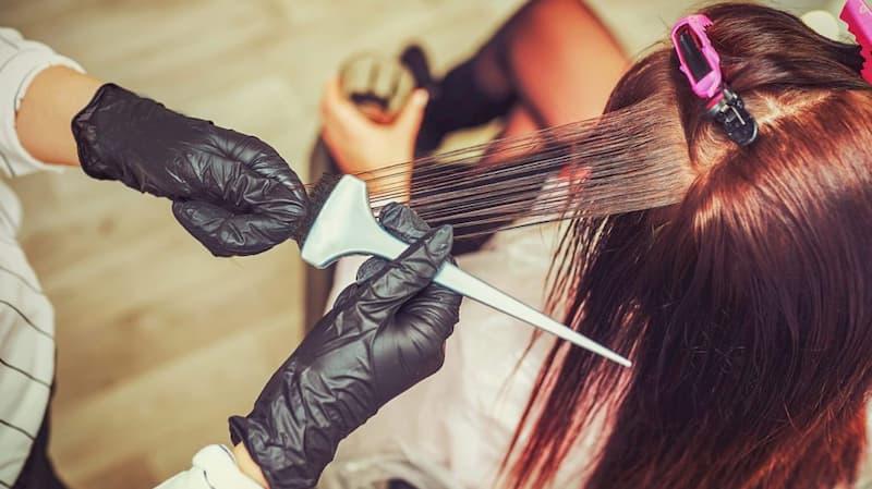 Chuyên gia phục hồi tóc tại Zema sẽ giúp bạn lấy lại mái tóc khỏe mượt