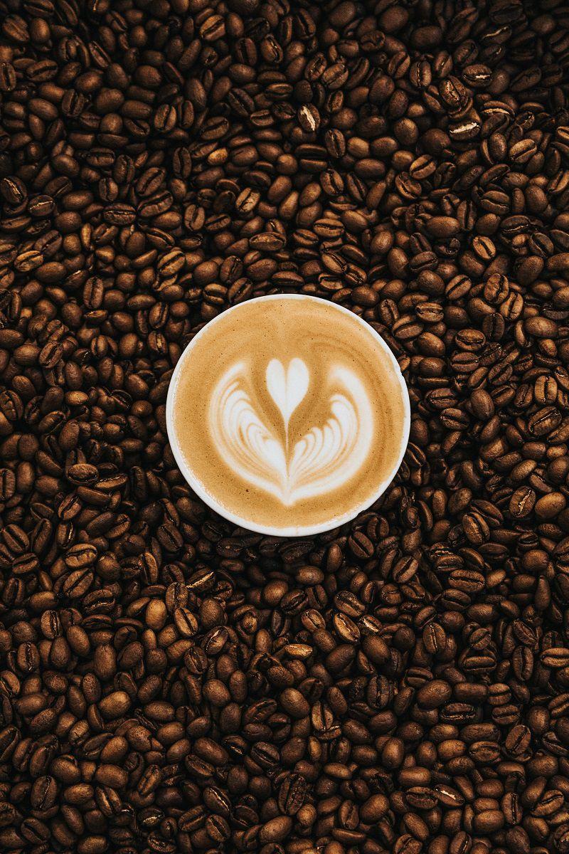 Thói quen uống cà phê khiến da bị mụn nhiều hơn
