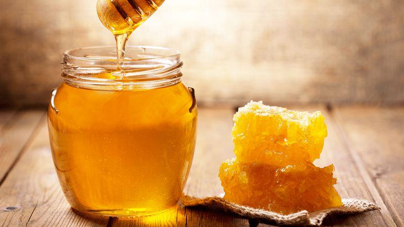 """Mật ong là """"thần dược"""" làm đẹp và giảm cân mà nàng nên có trong nhà"""