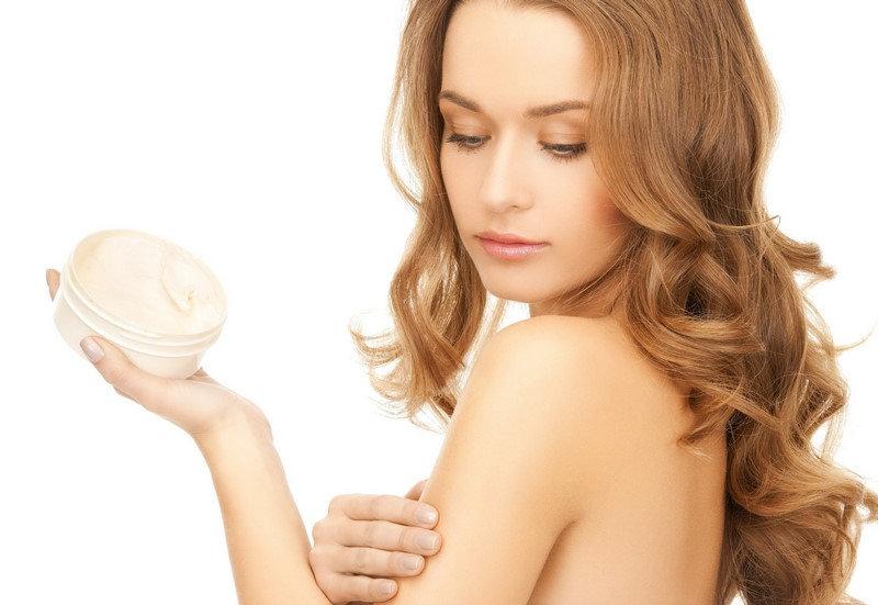 Tìm kem dưỡng trắng da là mối quan tâm của hầu hết mọi chị em
