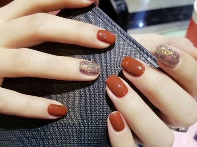 Màu móng cam đất siêu sành điệu