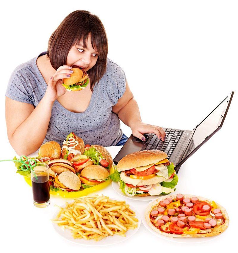Hãy tránh xa những món ăn vặt khiến bạn tăng cân như thế này