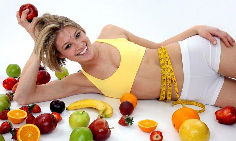 Để giảm cân hiệu quả trong thực đơn của bạn nên có đầy đủ trái cây giàu vitamin C