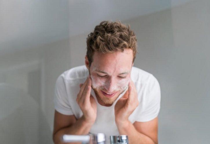 Cách sửa mặt đúng cách cho nam không thể thiếu bước massage