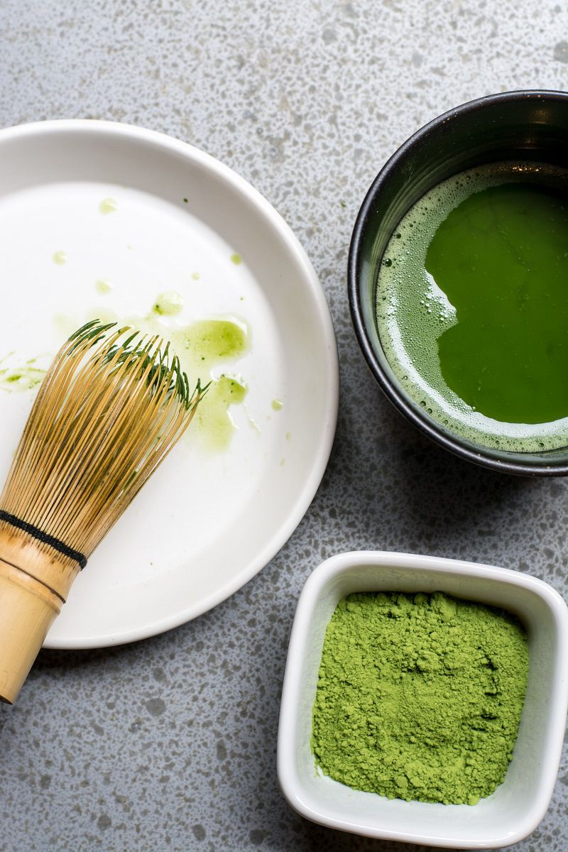 Sử dụng trà xanh để trị mụn mủ an toàn