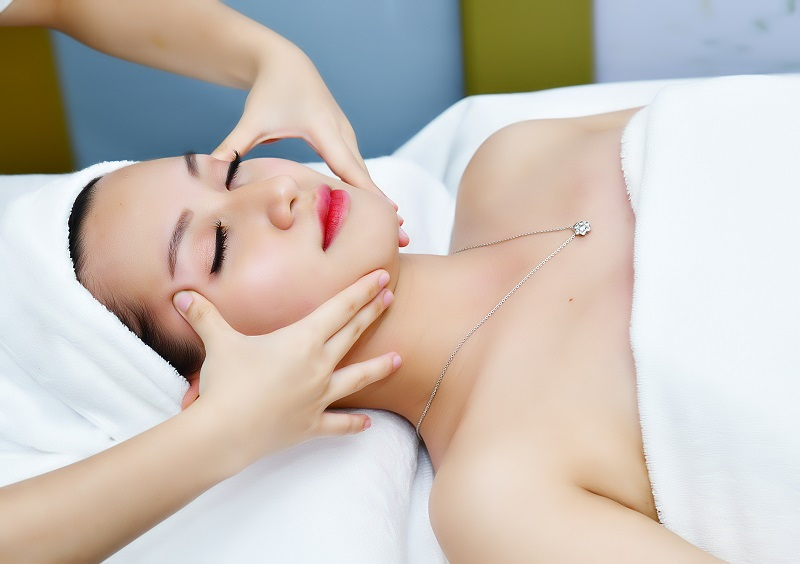 Chăm sóc da mặt tại spa giúp bạn có được làn da rạng ngời