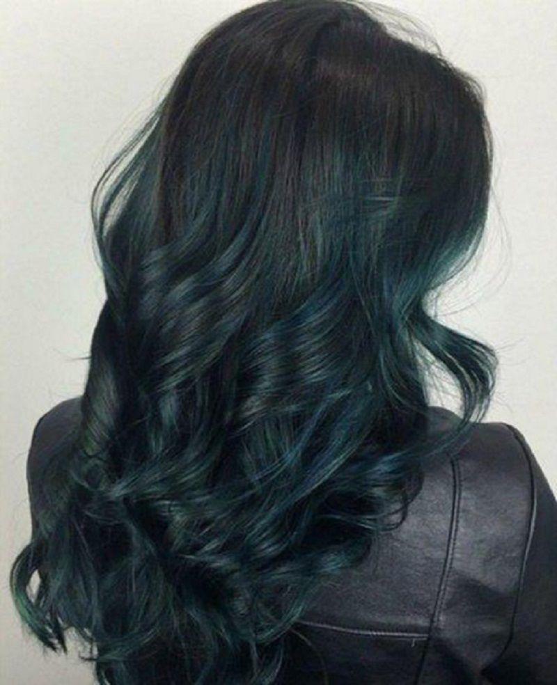 Tóc màu nâu đen ánh xanh