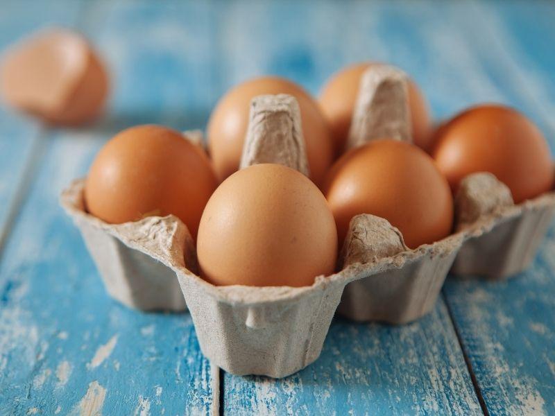 Dùng lòng trắng trứng có thể tẩy lông ở mặt