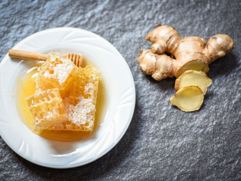 Pha nước gừng với mật ong uống giảm mỡ