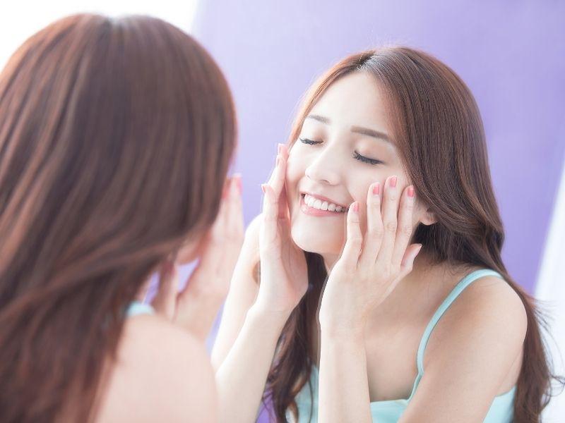 Retinol có khả năng trị mụn và chống lão hoá da