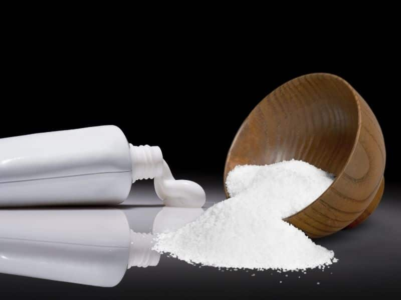 Baking soda kết hợp kem đánh răng để tẩy lông trên da