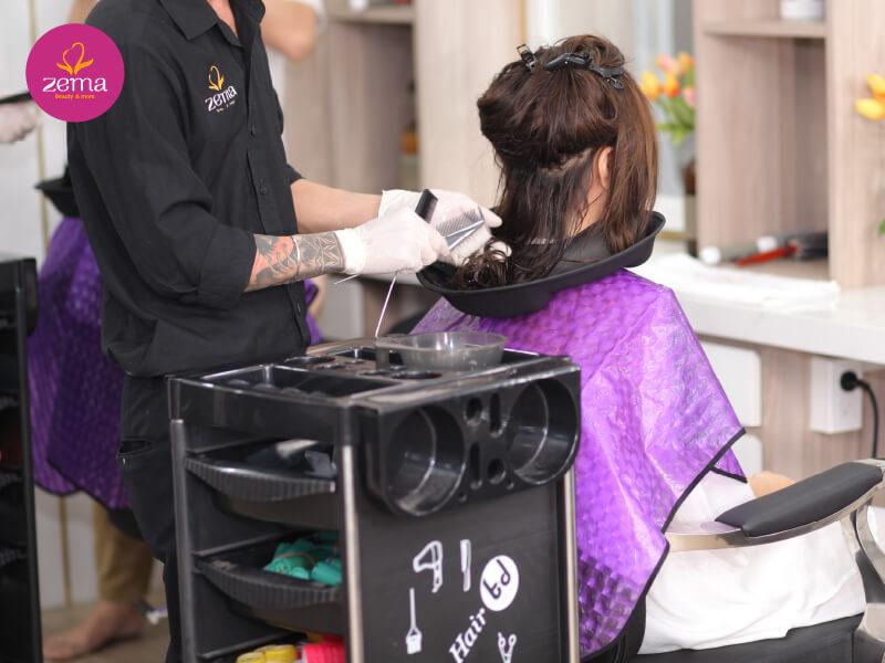 Quy trình chuẩn thực hiện uốn phồng chân tóc tại Zema Việt Nam
