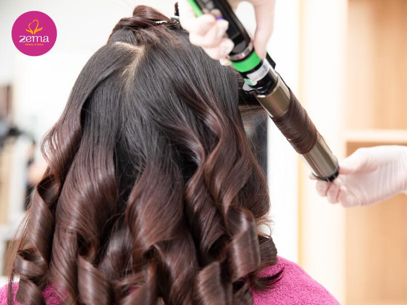 Quy trình chuẩn dịch vụ uốn tóc nữ tại Zema Việt Nam