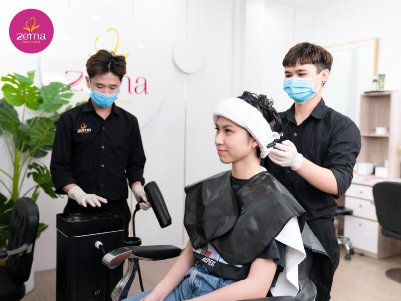 Quy trình chuẩn duỗi tóc tại Zema Việt Nam