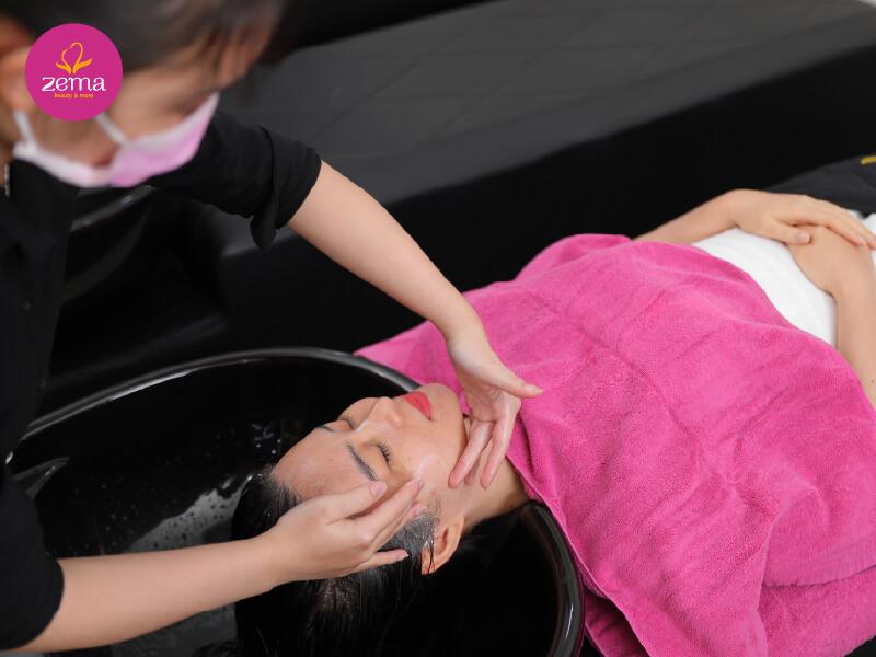Dịch vụ gội đầu thảo dược massage là gì?