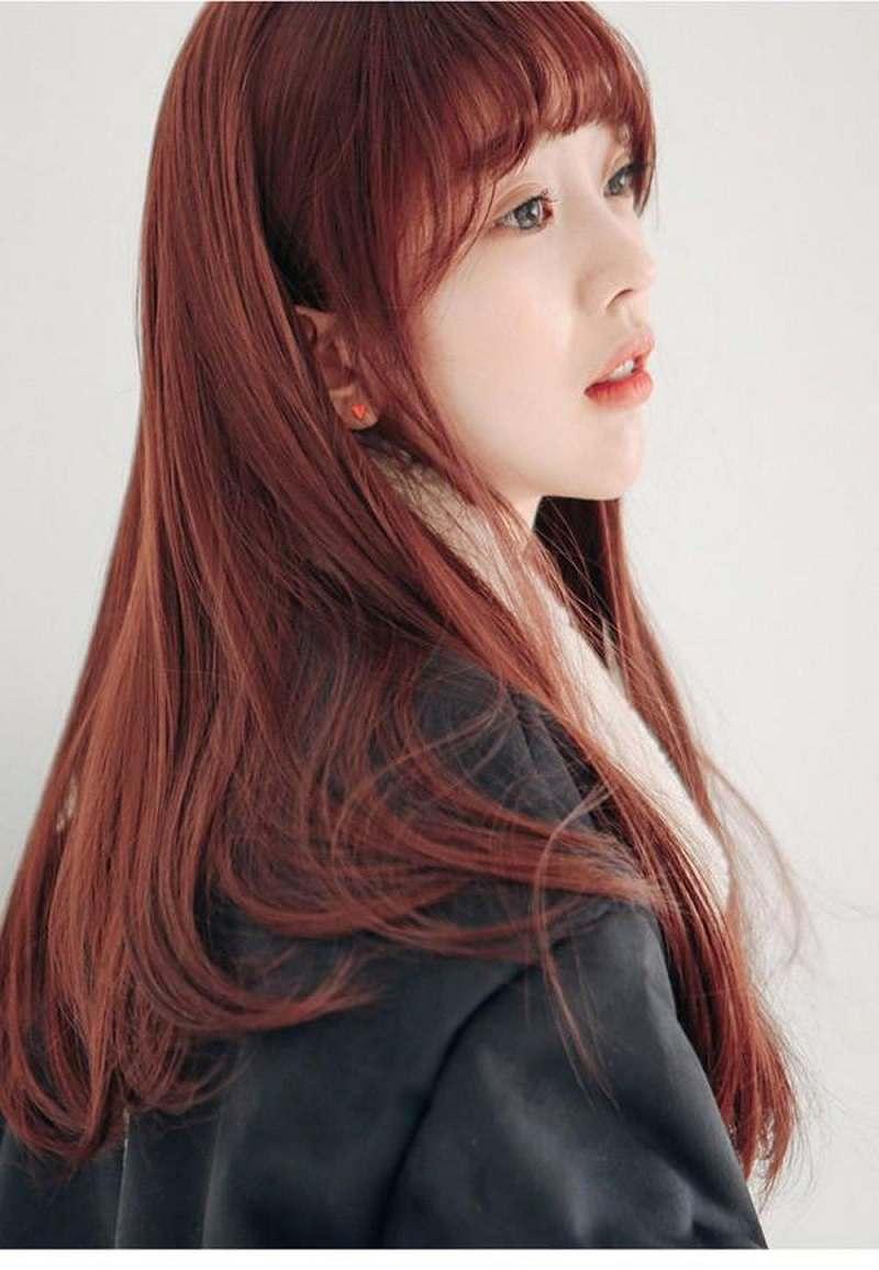 Chọn kiểu tóc màu nâu đỏ là sự lựa chọn phù hợp với rất nhiều người