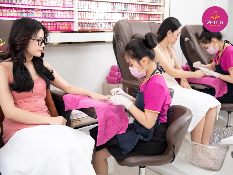 Khách hàng thực hiện nối móng tại Zema Việt Nam