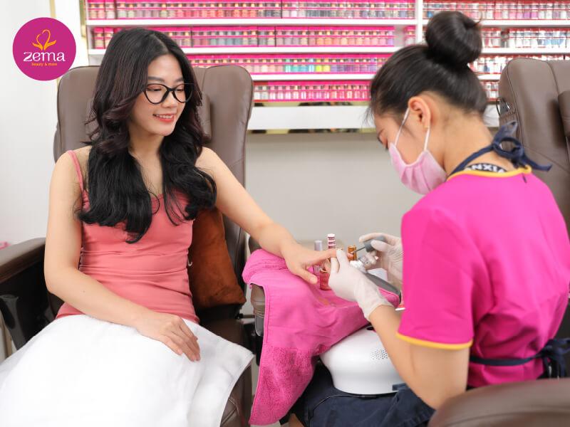 Quy trình chuẩn dịch vụ sơn móng Ombre tại Zema Việt Nam