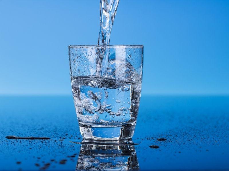 Nước luôn cần cho làn da và quyết định đến sức khoẻ của làn da