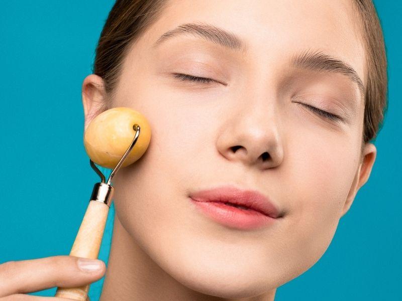 Cách massage mặt vừa làm đẹp da vừa giúp tinh thần thư giãn