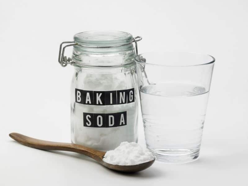 Baking soda có thể mix với sữa tươi để tăng hiệu quả